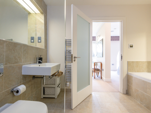 Modern bathroom in Orangery